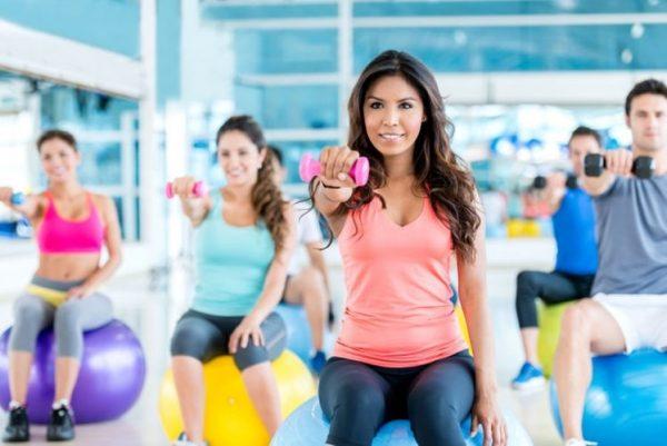 abbigliamento ginnastica: abbigliamento sportivo palestra